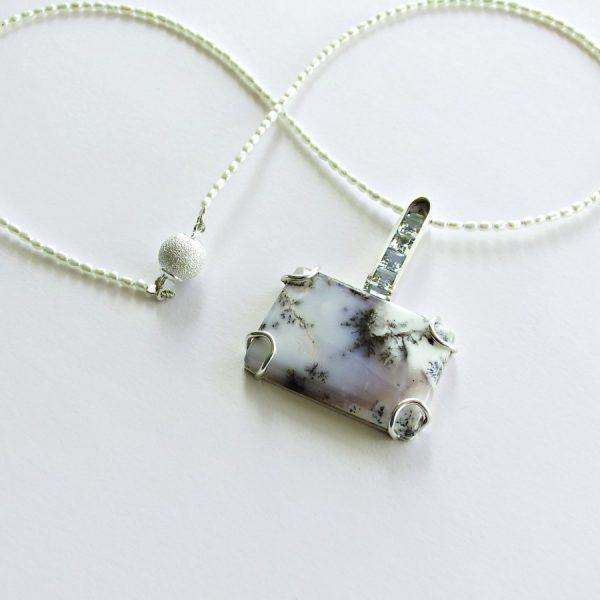 Dendritic agate pendant1