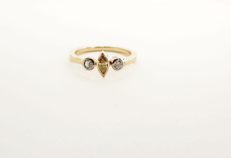 yellow-diamond-18ct-gold-ring-alex-thiel-goldsmith
